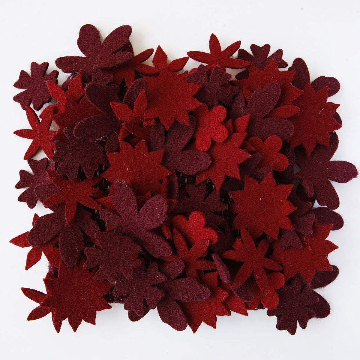 Rug little field of red flowers - Nanimarquina
