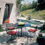Outdoor Paperclip Table - Knoll
