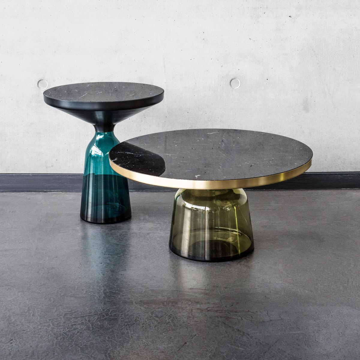 Table d'appoint Bell noir - Classicon