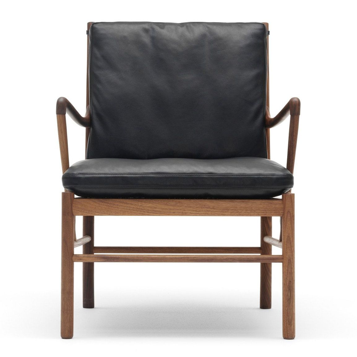Colonial chair OW149 Nogal by Ole Wanscher edited by Carl Hansen & Son