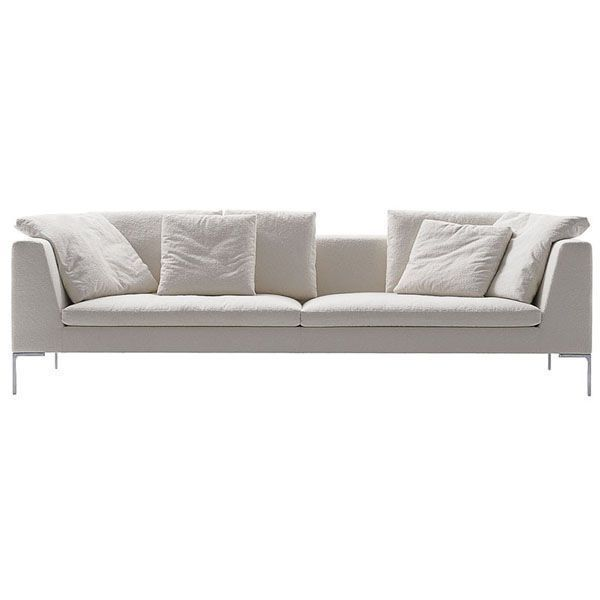 The Charles Large modular sofa by B & B Italia is configured in different ways by means of linear, angular and chaise longue elements, managing the environment to suit you. Antonio Citterio conceives the Charles collection as a cozy refuge where lying down to rest is super comfortable. Details: aluminum legs in different finishes with Bayfit® cold-filled polyurethane foam (bayer®) and polyester fiber lining. Steel structure. Price 270 cm sofa with set of 4 back cushions 48 x 48 cm fabric upholstery Category A from the manufacturer. Tissue sample available in store. See all configurations, finishes and prices in Naharro stores.