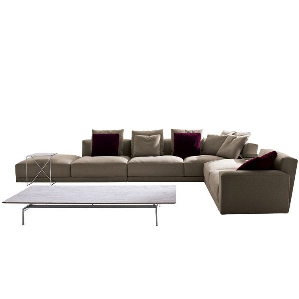 The Luis modular sofa is a design by Antonio Citterio for B & B Italia that combines comfort and formal refinement. It is characterized by its balanced volumes, moderate proportions and its extremely soft appearance. There are different compositional solutions that adapt perfectly to spaces of different sizes, forming linear, angular or chaise longue sofas. Price 2 sofa Plazas (Composition 9L241) upholstered in Fabric Category A of the manufacturer. Tissue sample available in store. Consult more information and price for other measures or compositions in Naharro design stores.