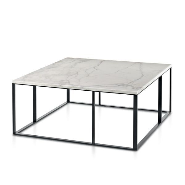 The collection of auxiliary tables Lithos is formed by square, rectangular or circular tables designed by Antonio Citterio for Maxalto signature, some parasituarlas tables in the center of the room or next to the sofa, and also available in different sizes and finishes. Details: Structure the steel table in bronzed nickel steel, also available in copper. Square table of 90 cm.Price for square side table of 90 cm, with steel structure and board in Travertino marble.See more information at NAHARRO.
