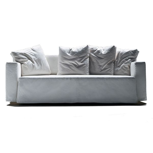 The Winny sofa bed by Flexform is a Guido Rosati design with a metal structure with polyurethane filling covered with a protective fabric. The seat is extendable in a patented mechanical movement that confers it on a great bed. The back cushions are made of polyurethane or dacron with a feather. The base is made of wooden slats and the upholstery is made of fabric or removable leather. Available as a Relax sofa or Bed.Details: Winny sofa of 175 cm, 4 additional cushions and upholstered in fabric of average category. See Naharro stores for more sizes, models, finishes and prices for the Winny sofa.