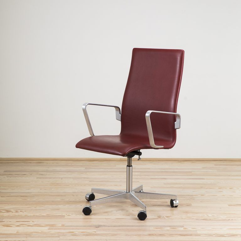 Adjustable Oxford armchair with casters - Fritz Hansen